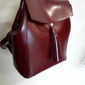 Рюкзак в бордовой эко-коже