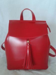 Рюкзак в красной эко-коже