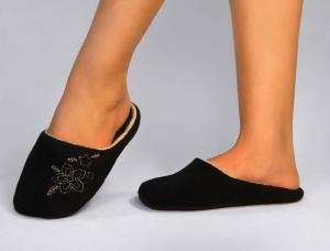 Тапочки флисовые черные