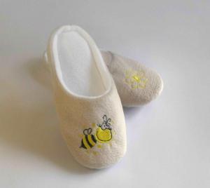 Тапочки бежевые пчелка