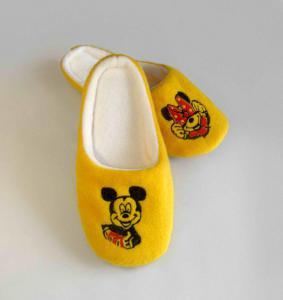 Тапочки желтые Микки