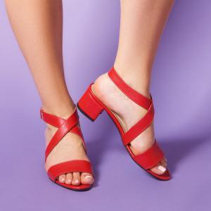 Красные кожаные босоножки на устойчивом каблуке