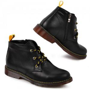 Ботинки в черной коже и замше