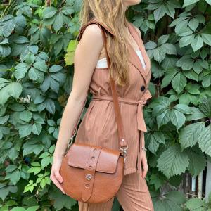 Стильная сумка круглая коричневая