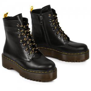 Ботинки черные кожаные на утолщенной подошве