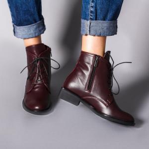 Ботинки удобные в бордовой коже