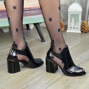 Туфли черные лаковые на высоком утолщенном каблуке