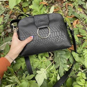 Компактная сумочка в черном питоне, желтой и бежевой коже