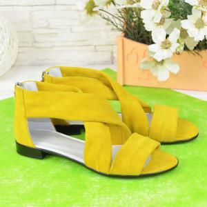 Босоножки - римлянки в желтом замше