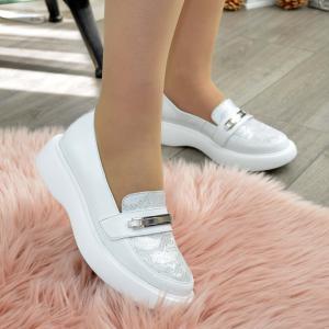 Туфли белые кожаные на утолщенной подошве