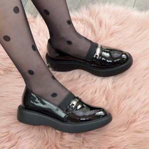 Туфли черные лаковые  на утолщенной подошве