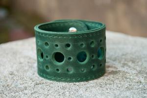 Браслет кожаный зеленый